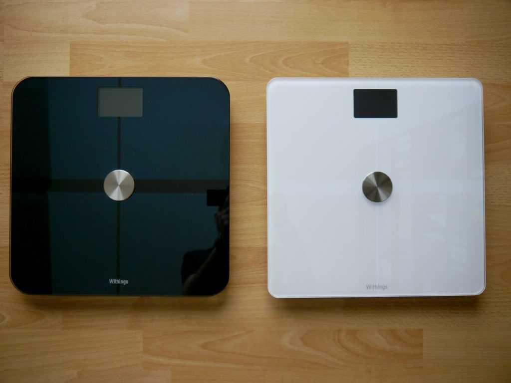 La Body (à droite) aux côtés de la Smart Body Analyzer (à gauche) son ainée