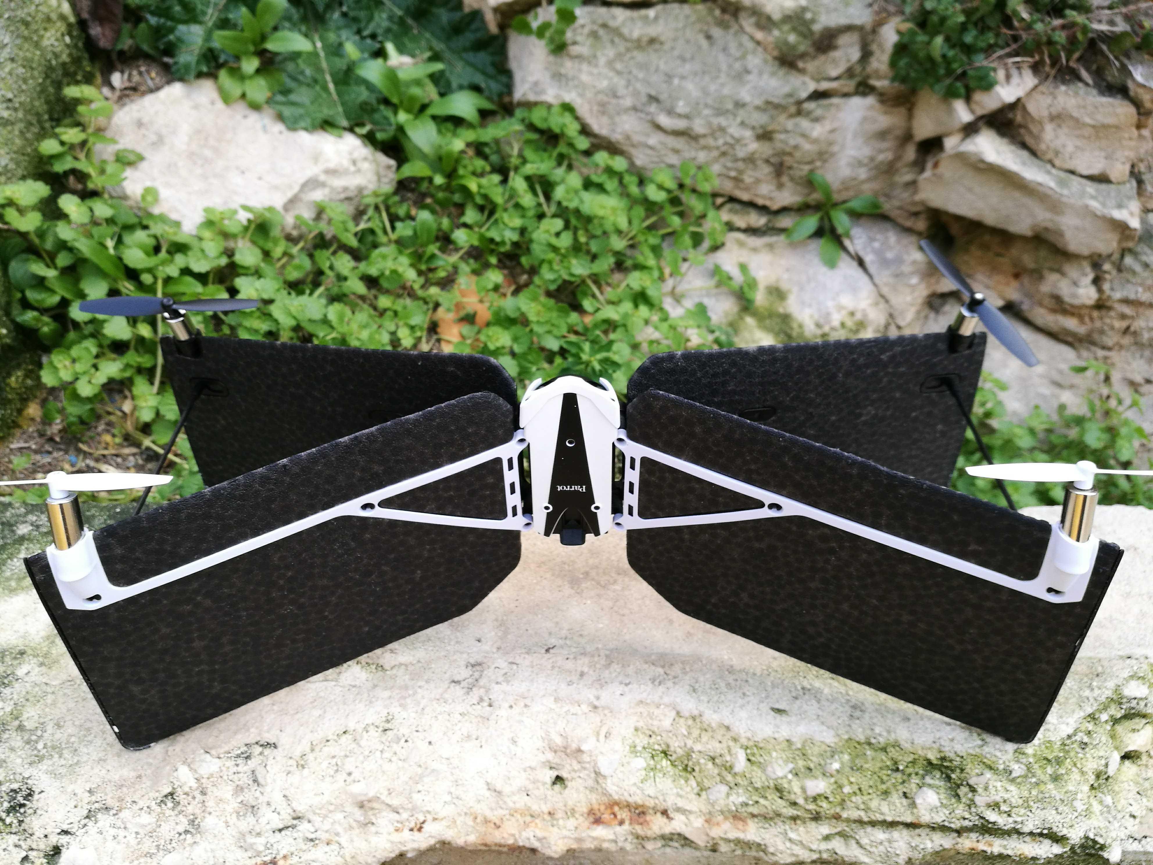 Test du Drone avion Parrot Swing