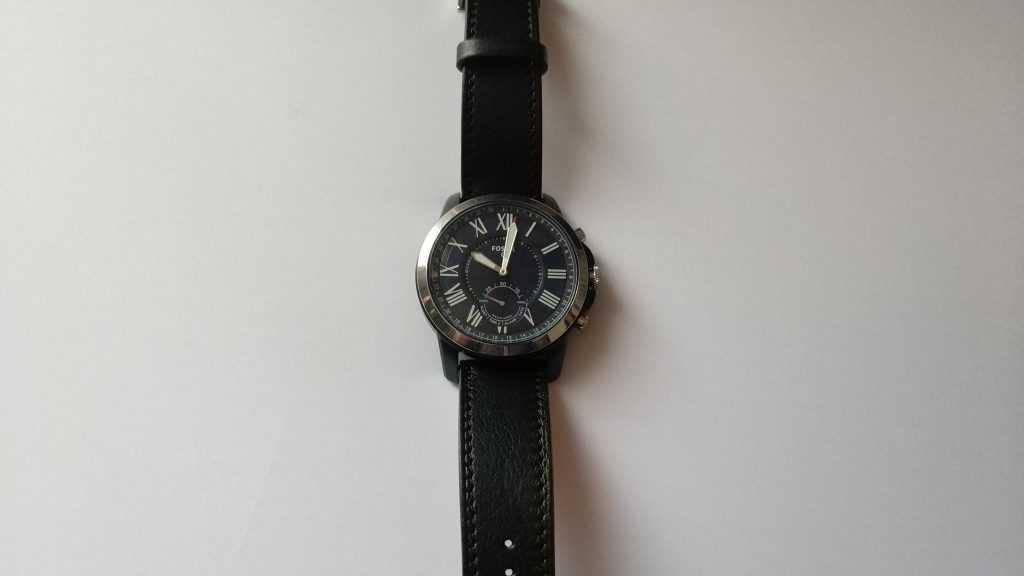 Bracelet cuir Noreve sur montre hybride Fossil