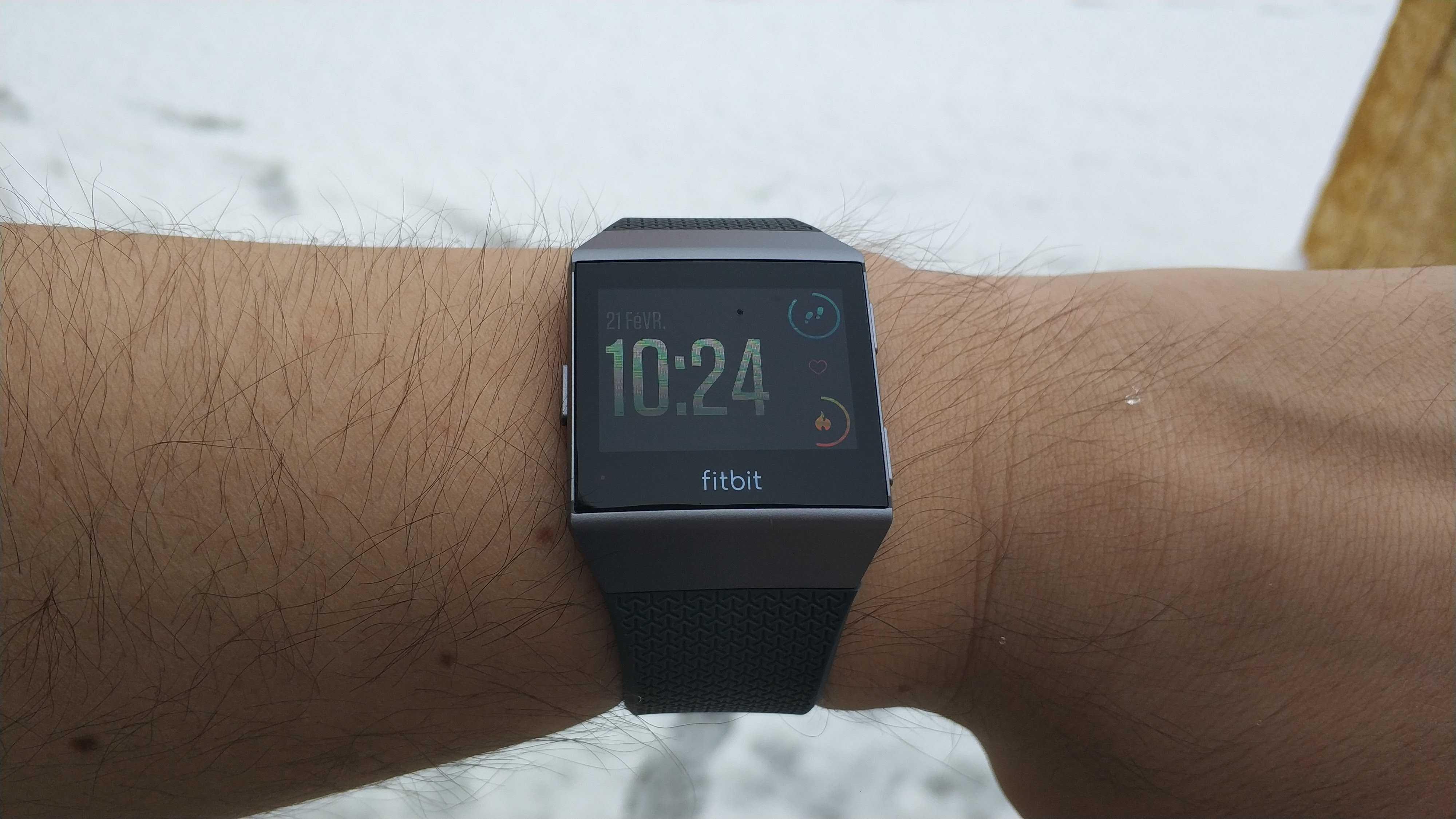 Fitbit Ionic : notre test & avis de la montre coach