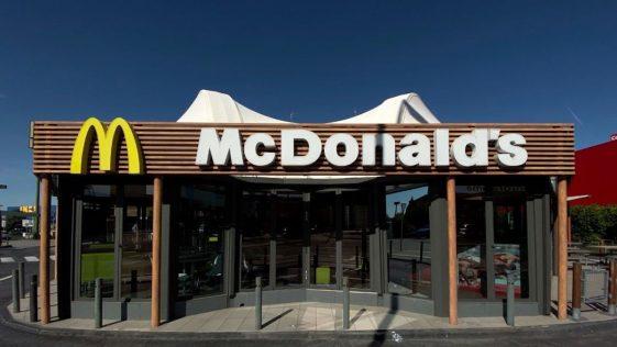 Scandale chez McDonald's: un produit-phare retiré, il ne sera plus mis en vente!