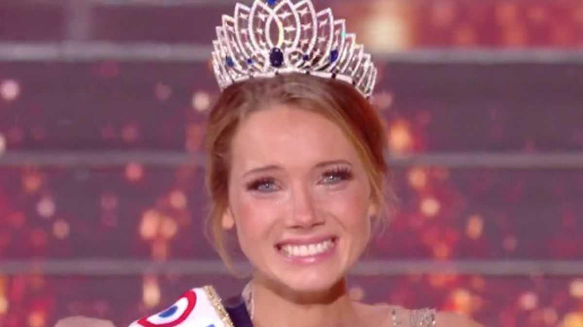 Amandine Petit, Miss France: à la sortie de sa douche, elle est complexée par un détail très surprenant !