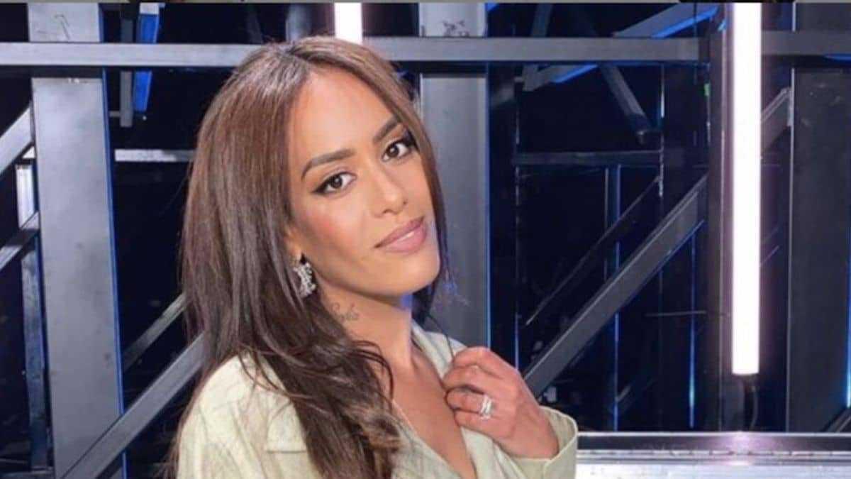 Amel Bent (The Voice) : dézinguée sur la Toile, elle tacle ses détracteurs !