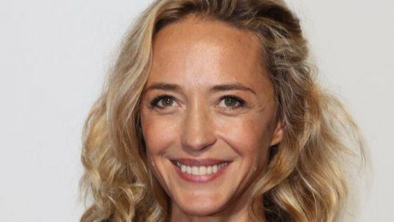 """Hélène de Fougerolles : tsunami, """"dans le déni total"""" sur la maladie de sa fille Shana"""