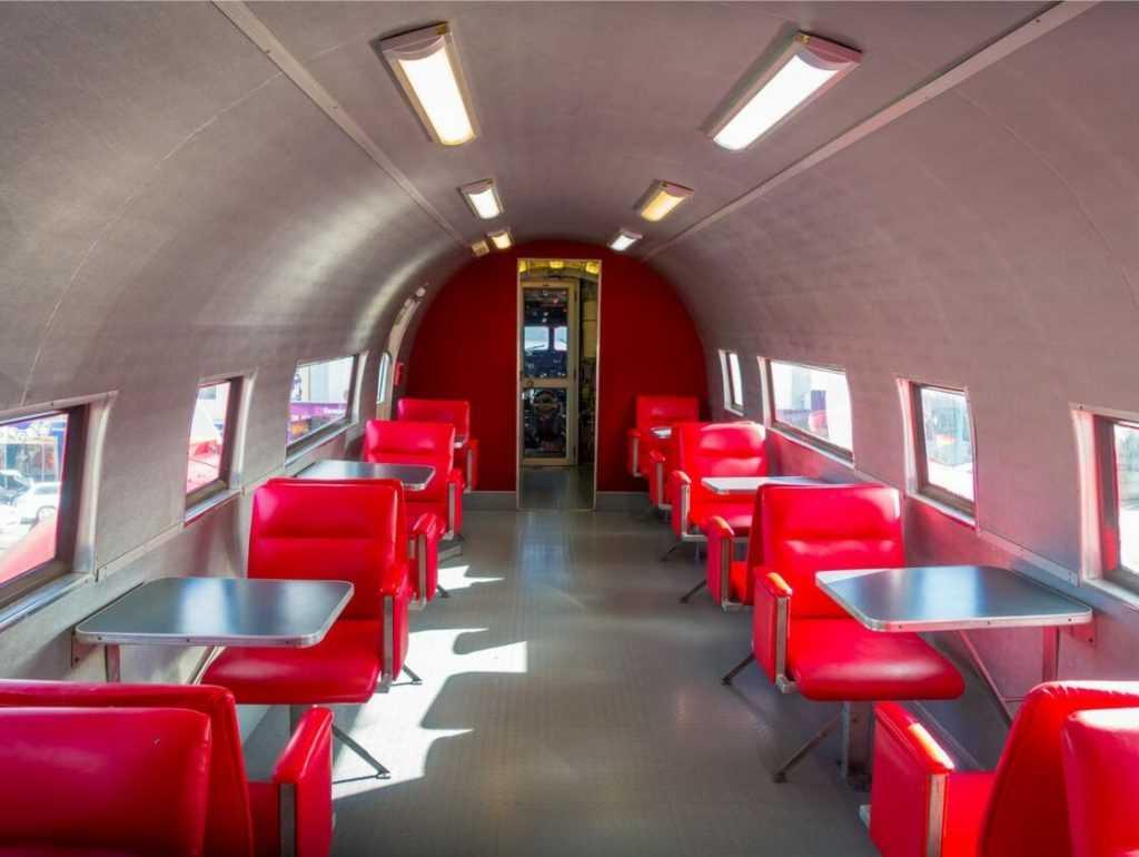 mcdonalds-nouvelle-zelande-avion-taupo-interieur