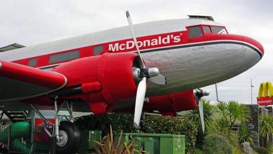 McDonald's: Les images des restaurants étranges et uniques à travers le monde