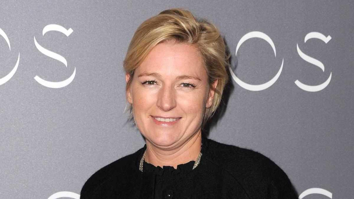 """Anne-Elisabeth Lemoine : son énorme bourde au sujet de Jean Castex dans """"C à vous"""""""