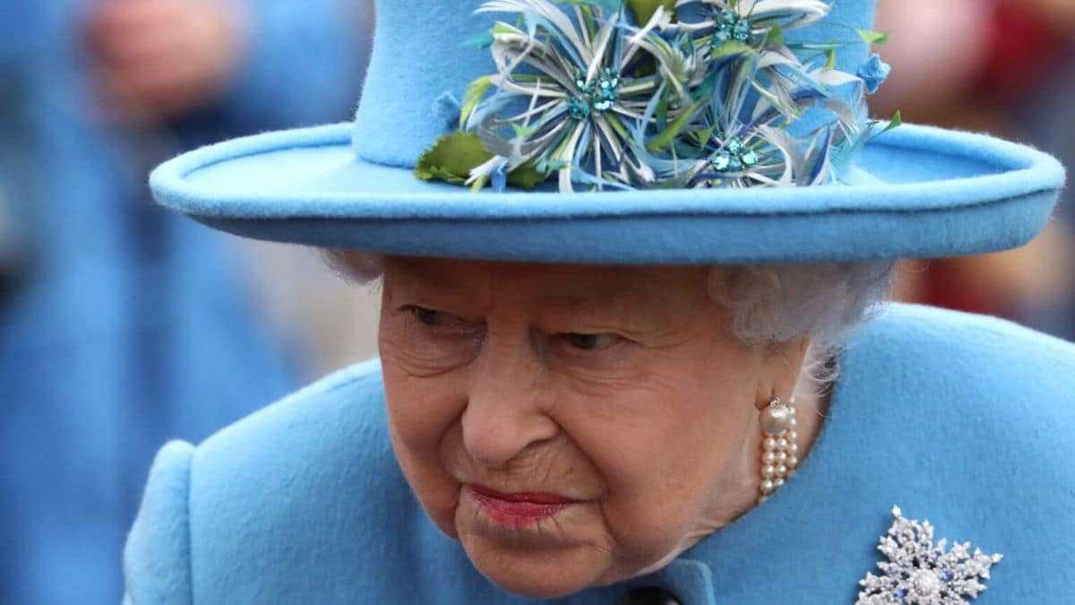 Elizabeth II et le prince Charles sont outrés, Harry aurait menti à la couronne
