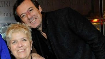 """Jean-Luc Reichmann et Mimie Mathy tournent en dérision la finale de """"The Voice"""", c'est à pleurer de rire !"""
