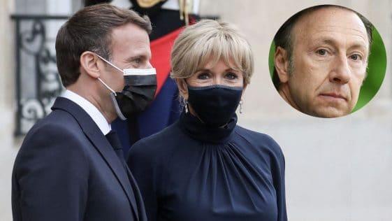 Brigitte Macron, en robe bleu lavande et courte, elle est éblouissante aux cotés de Stéphane Bern