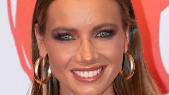 Amandine Petit : Divine, Miss France se dévoile en bikini et embrase totalement la toile