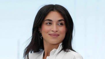 Camélia Jordana a frôlé l'accident de robe à Cannes, elle en dévoile beaucoup trop avec le vent