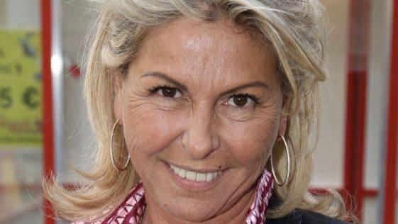 Caroline Margeridon (Affaire conclue) : ses révélations fracassantes sur sa maman ! Ça vaut le détour !