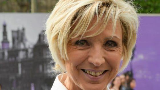 Évelyne Dhéliat : le salaire colossal de la célèbre présentatrice météo de TF1 enfin dévoilé