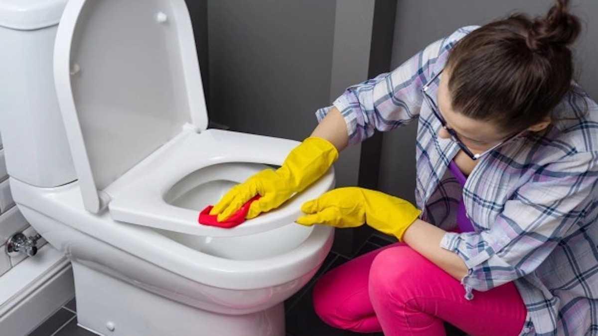 Nettoyage des toilettes : Évitez à tout prix ces 3 énormes erreurs que nous faisons tous...