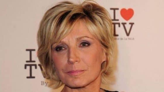 Evelyne Dhéliat (miss-météo TF1) dure avec elle-même, ses confidences fracassantes sur son métier