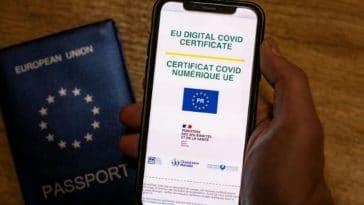 Pass sanitaire : découvrez ce que dévoile votre QR code aux personnes qui le scannent