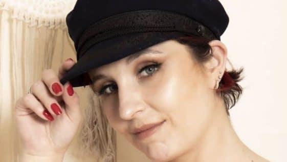 """Amandine Pellissard (Familles nombreuses, la vie en XXL) : attaquée par des proches, elle se dit confie """"ça m'a profondément touchée """""""