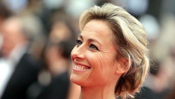 Anne-Sophie Lapix : les jambes de la présentatrice du JT de 20H de France 2 créent la polémique !