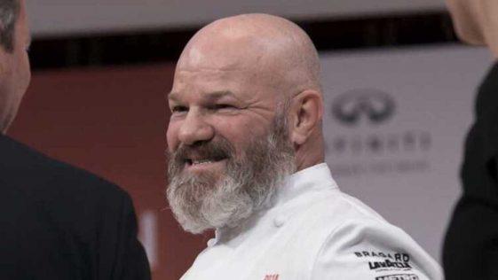 """Cauchemar en cuisine : Philippe Etchebest, écoeuré par le contenu d'un frigo, """"J'ai envie de vomir"""""""