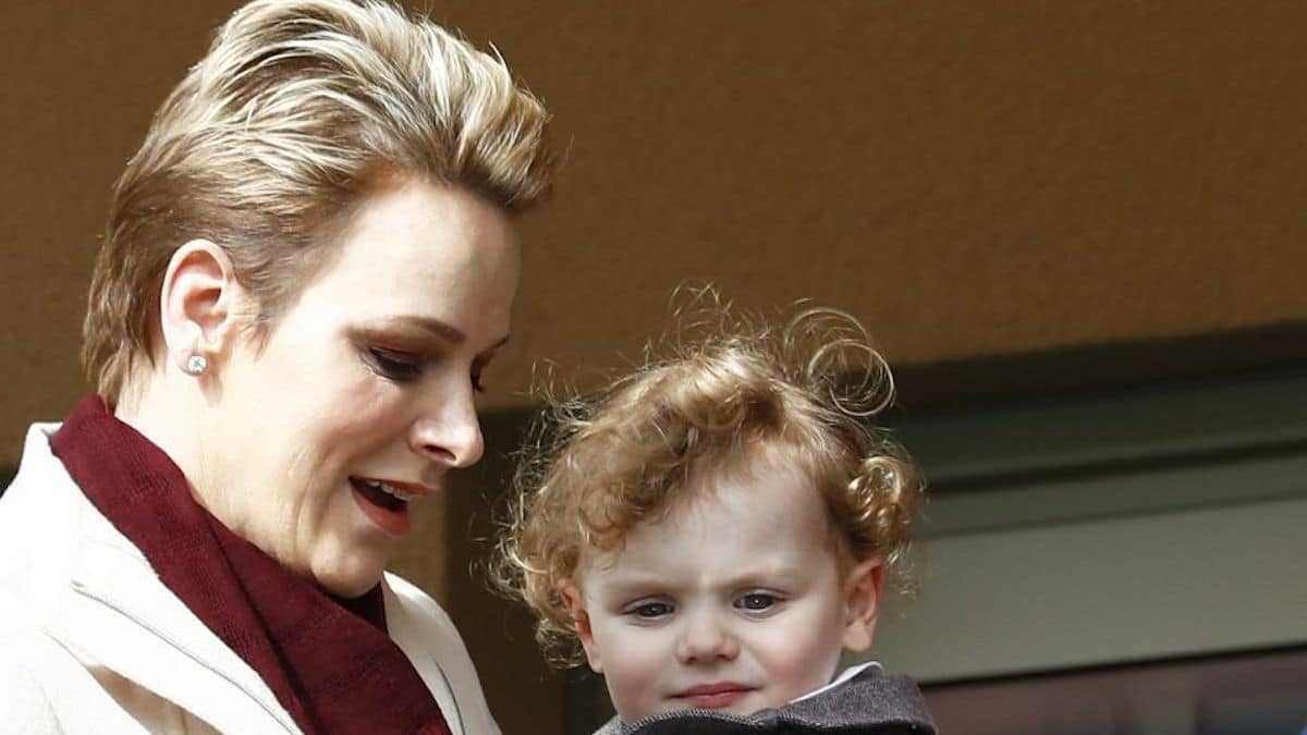 Charlene de Monaco : sa fille Gabriella se retrouve en fauteuil roulant !