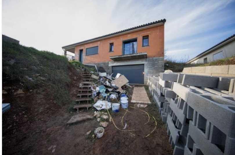delphine-jubillar-disparition-cedric-jubillar-maison-garage-entree-photo
