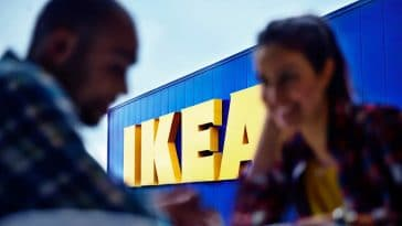 Ikea frappe très fort et dévoile l'accessoire indispensable pour transporter son ordinateur, il est à un prix canon