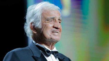"""""""Il pleure, seul"""" : les bouleversantes confidences sur la fin de vie de Jean-Paul Belmondo"""