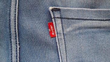 Levi's : ce magnifique jean qui replonge dans la tendance des coupes droites !