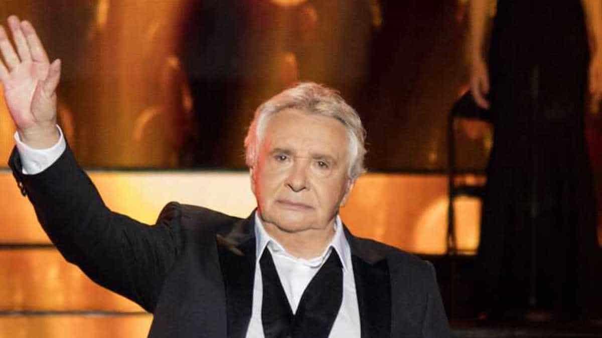 Michel Sardou : Ce jour où le chanteur s'est retrouvé au coeur d'une polémique sur une supposée liaison