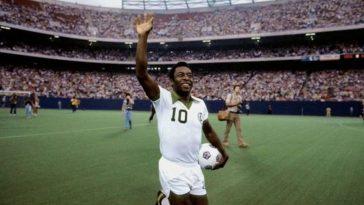 Pelé au plus mal : hospitalisé en urgence, l'ancienne gloire du football souffre d'une tumeur