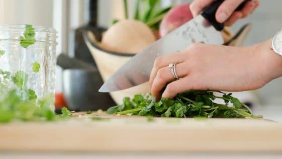 Perte de poids : suivez nos conseils alimentation pour retrouver la ligne et perdre ses poignées d'amour facilement !