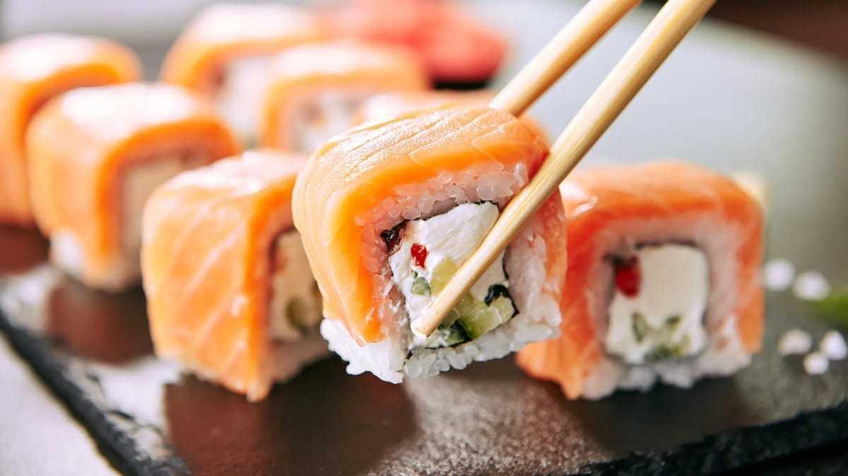 Voici les aliments qu'il faut ABSOLUMENT éviter de manger cru...