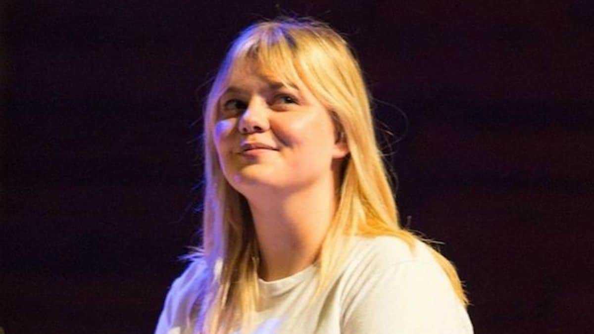 """Louane : effrayée par son nouveau défi, la chanteuse confie ses craintes : """"J'ai peur"""""""