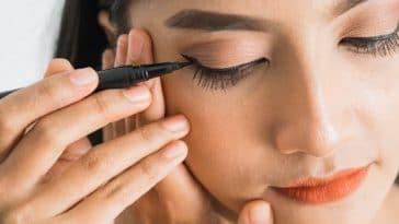 Maquillage : Voici les meilleures astuces pour obtenir un trait d'eye liner absolument parfait à chaque fois !