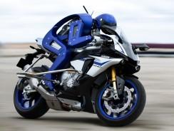 Motobot V1 sera-t-il le premier humanoïde champion du monde de moto ?